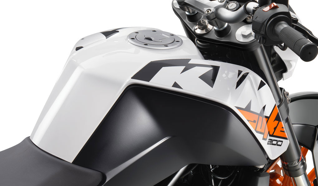 ktm-200-duke_feature6