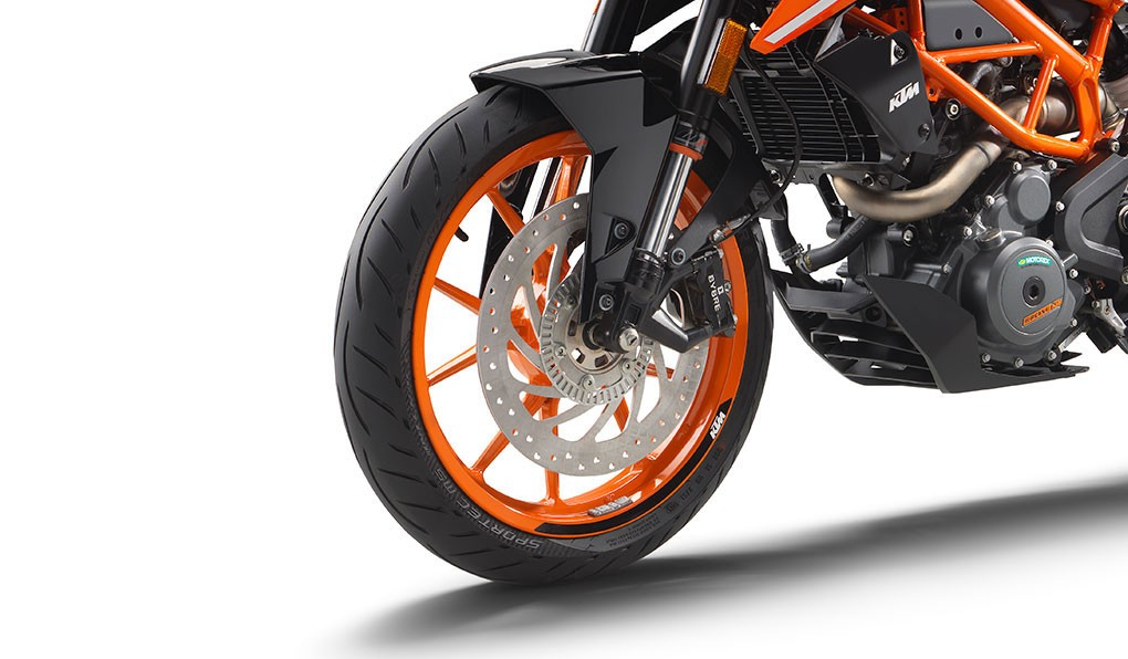 ktm-390-duke_feature5