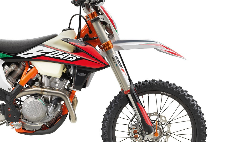 ktm_350-exc-f-six-days-2020_feature4